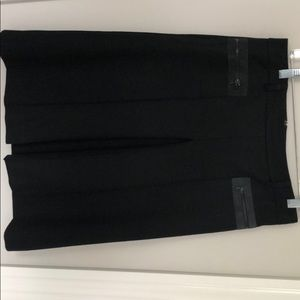 Theory  pleat skirt with zip pockets